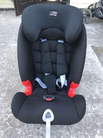 Автомобильное детское кресло после чистки