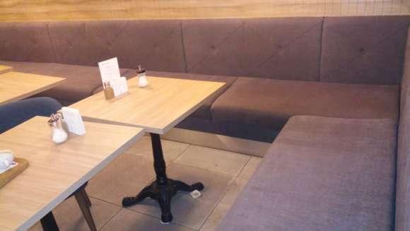 Мягкая мебель ресторана после химчистки