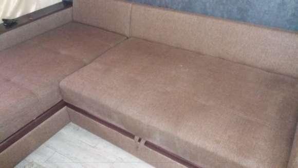 Химчистка углового дивана от пятен – результат